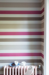 P-F&B-stripe-Farrow&Ball-wallpaper-features-eco-friendly-paint-on-FSC-paper.-Chromatic-Stripes-paper,-60-10m-roll